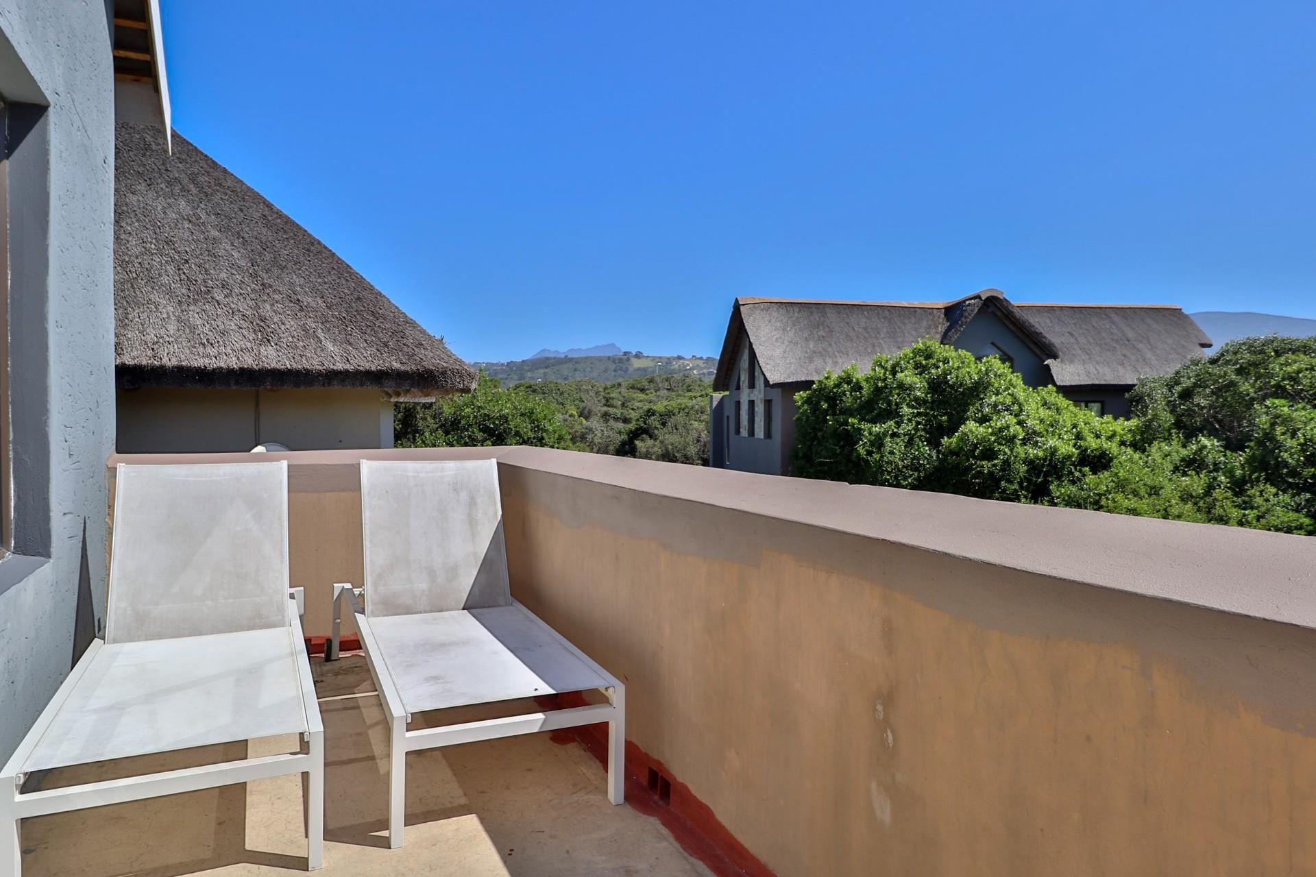3 Bedroom House For Sale in Wilderness Central