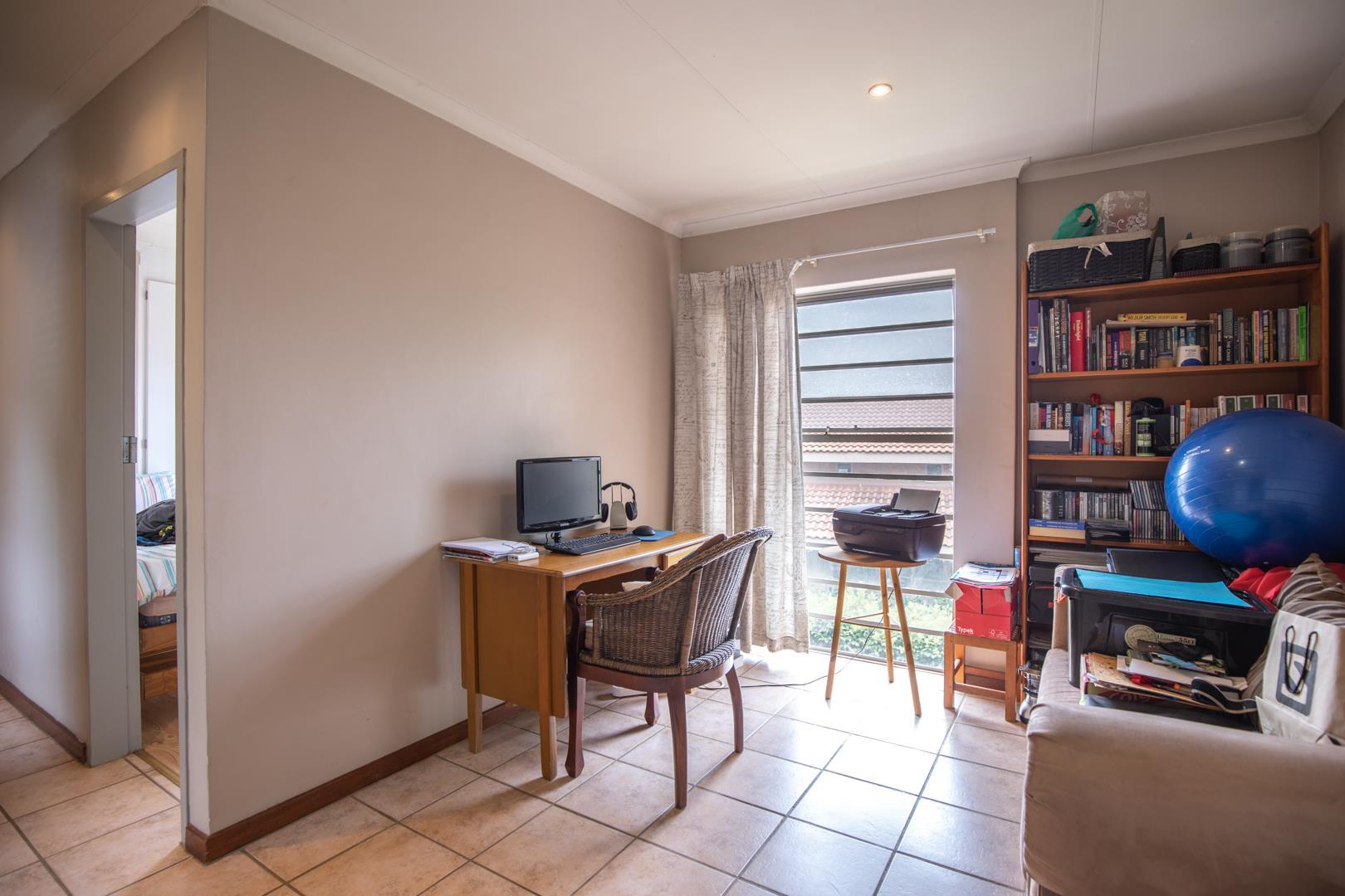 3 Bedroom House For Sale in Die Wilgers