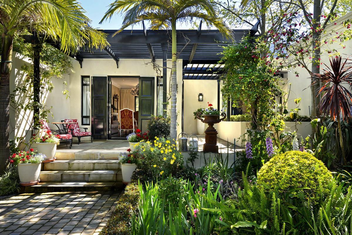 6 Bedroom House For Sale in Franschhoek