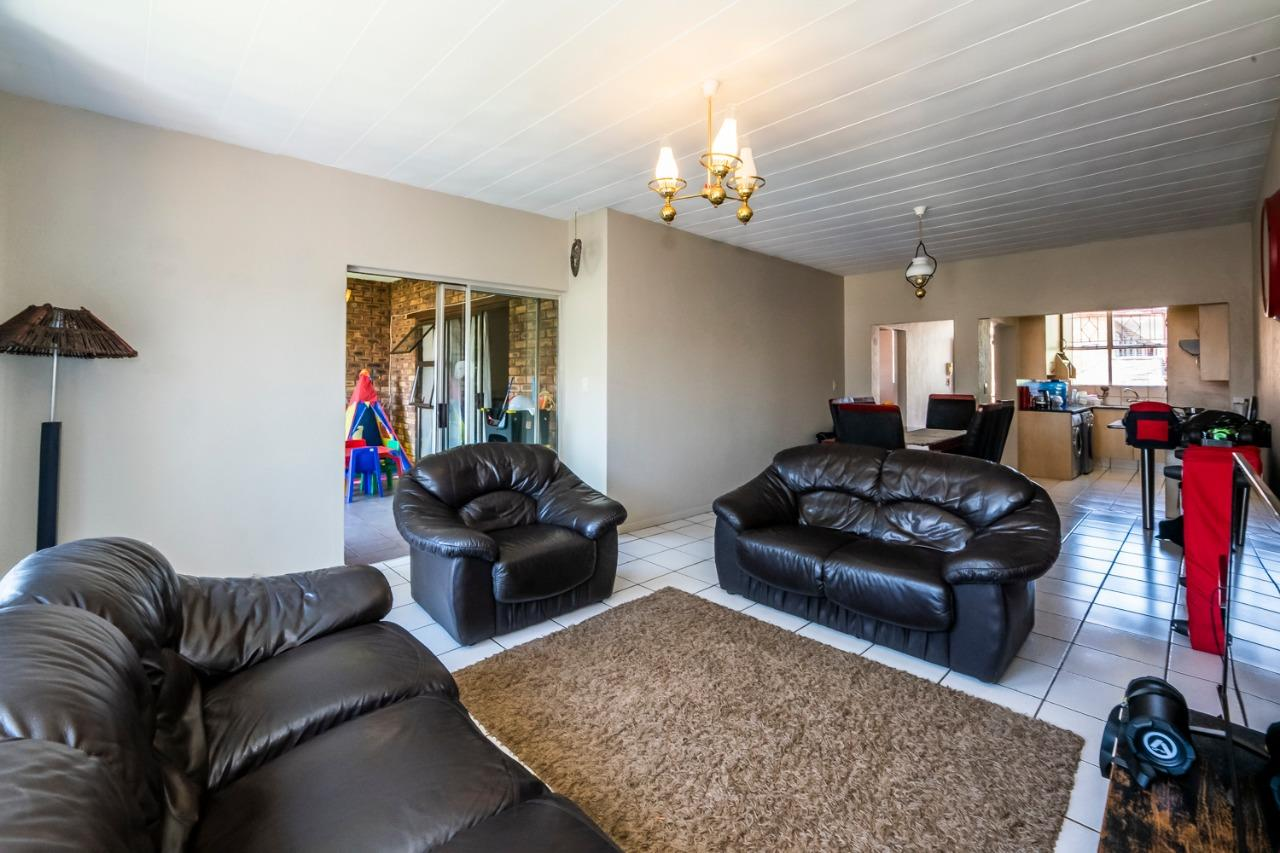 2 Bedroom Apartment / Flat For Sale in New Redruth