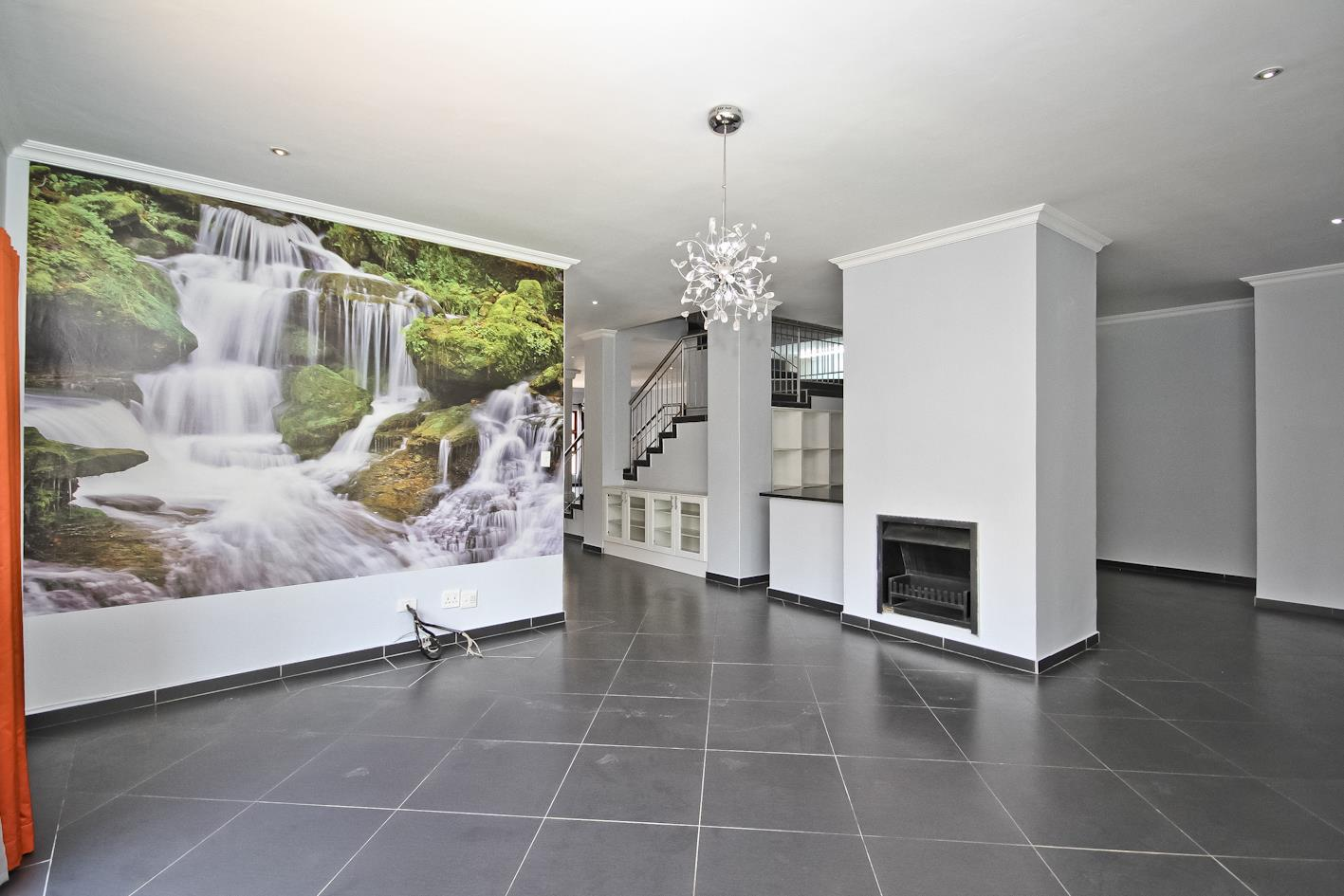 5 Bedroom House For Sale in Thornhill Estate