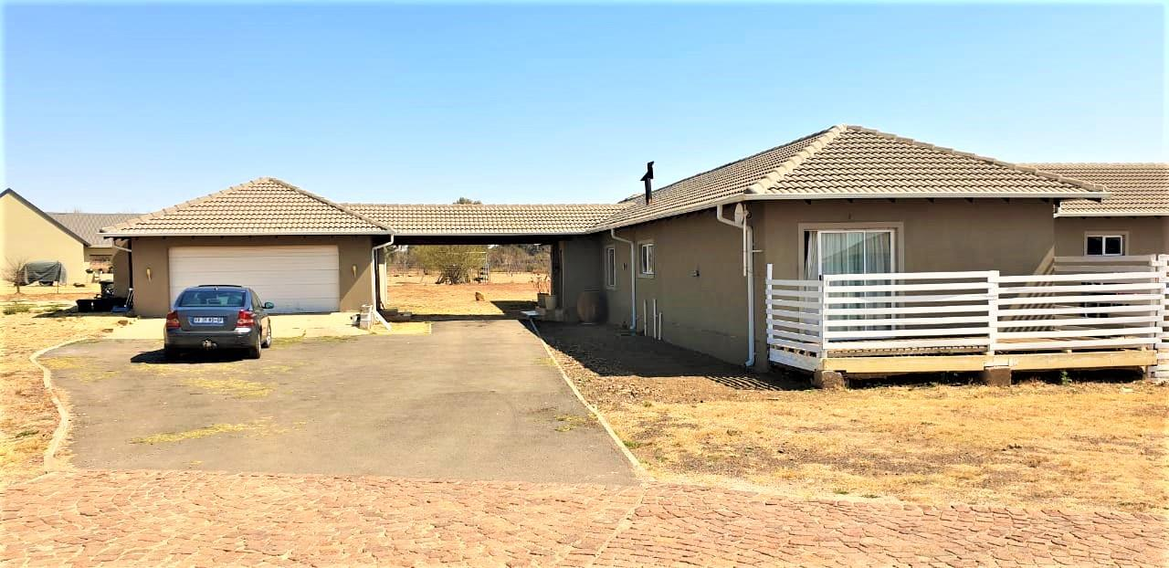 4 Bedroom House To Rent in Blue Saddle Ranches
