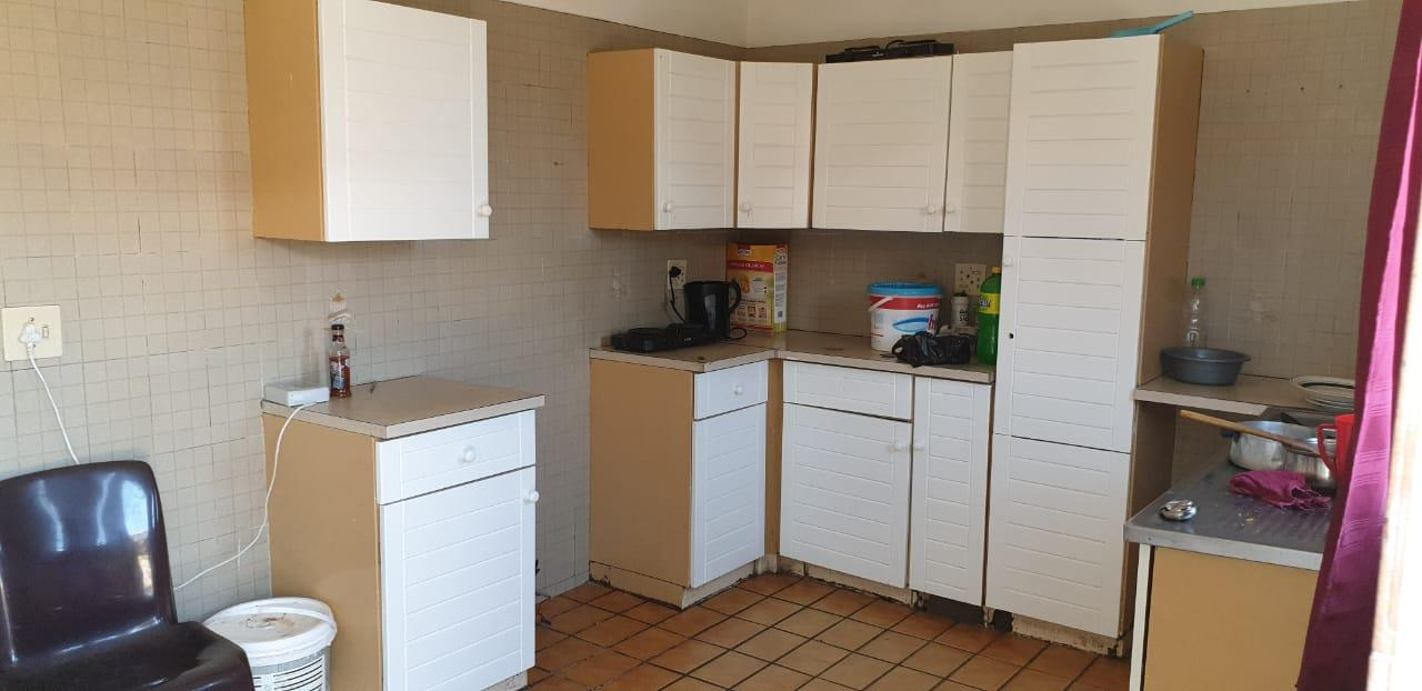 6 Bedroom Apartment / Flat For Sale in Turffontein