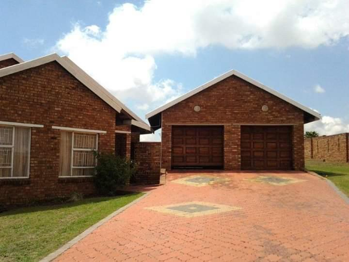 4 Bedroom House To Rent in Hoeveld Park