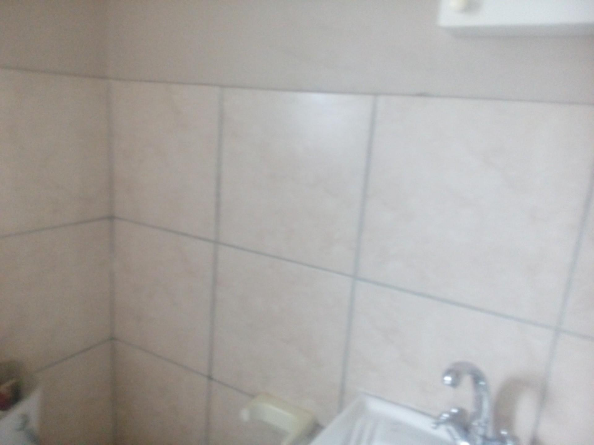 2 Bedroom Townhouse For Sale in Witbank Central