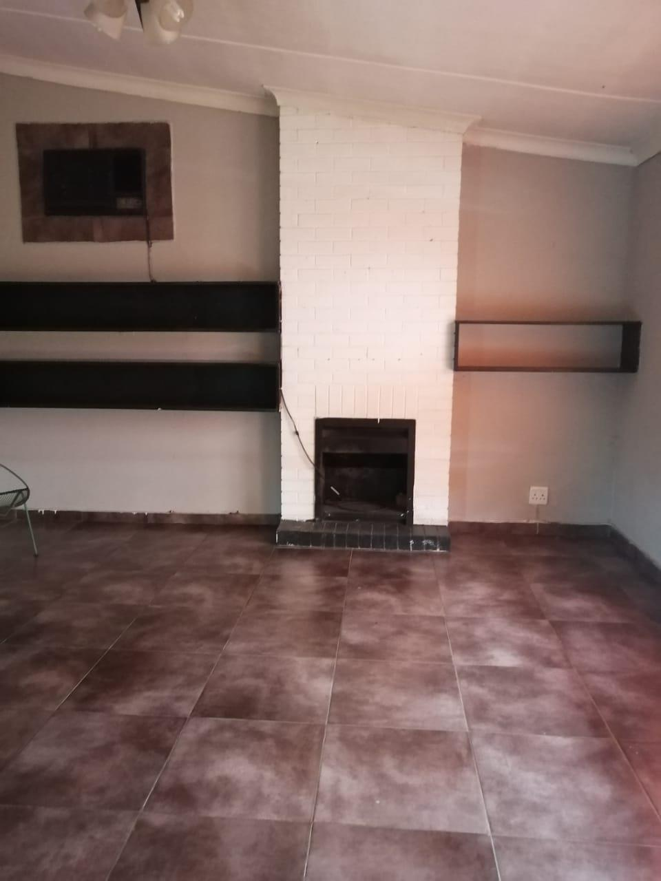 3 Bedroom House For Sale in Sonland Park