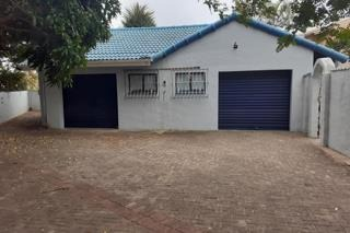 5 Bedroom House For Sale in Port Edward
