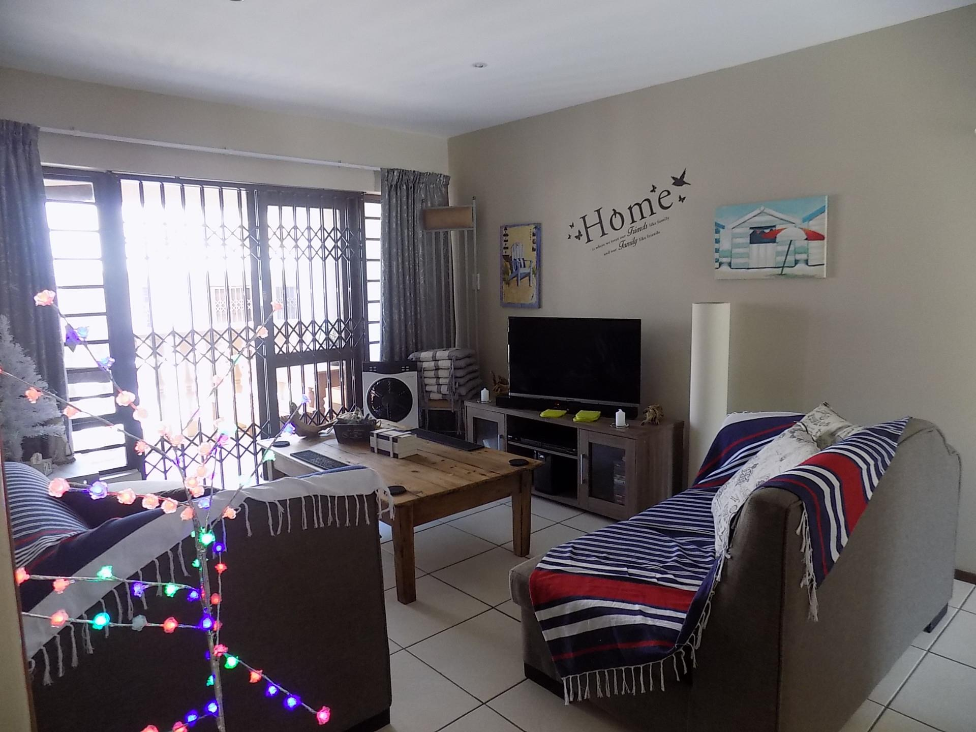 2 Bedroom Apartment / Flat For Sale in Uvongo