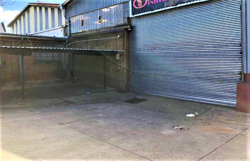Commercial Property in Delville For Sale
