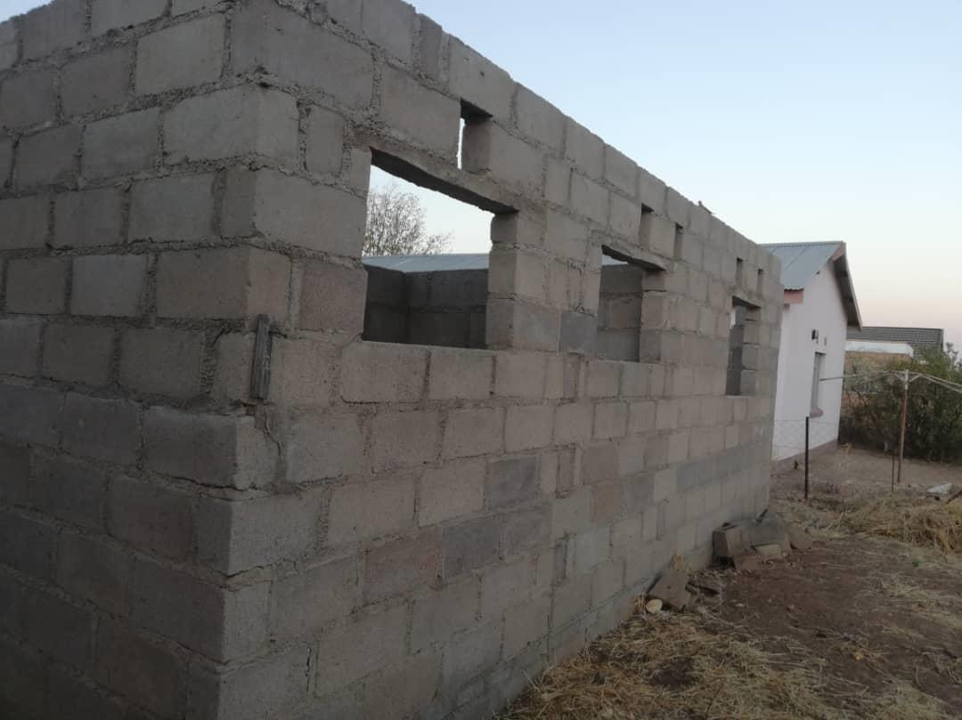 2 Bedroom House For Sale in Francistown Central