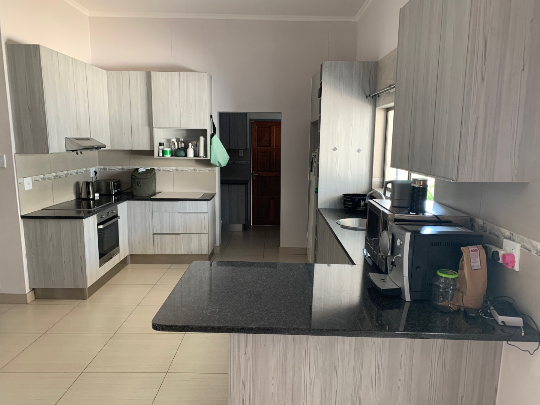 3 Bedroom House To Rent in Kleine Kuppe