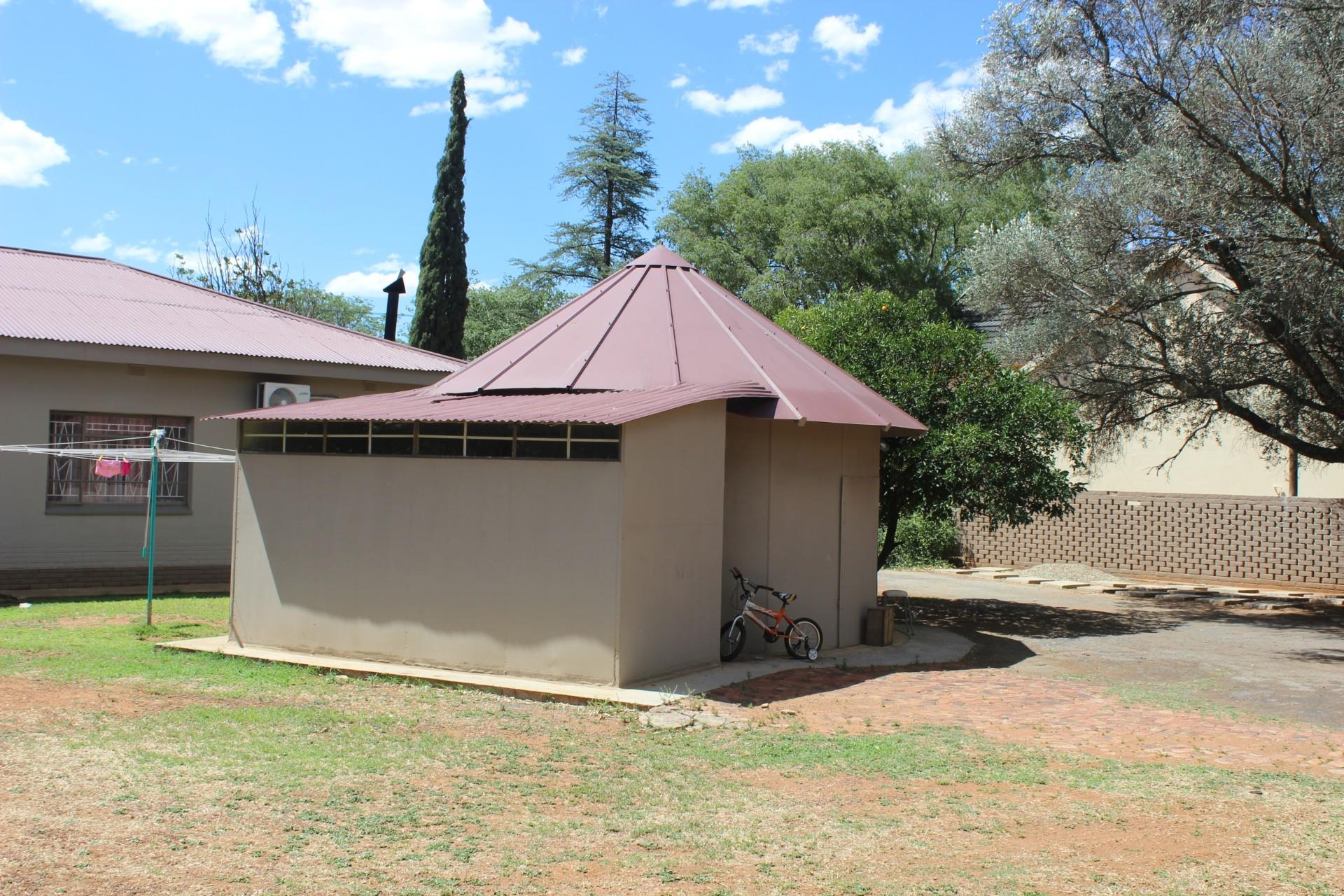 3 Bedroom House For Sale in Viljoenskroon