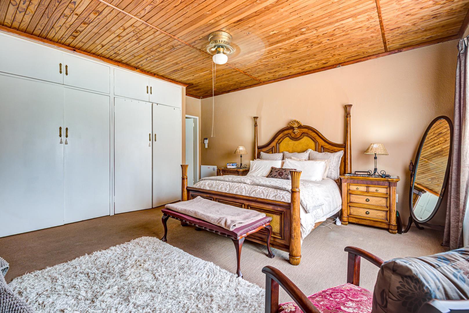 4 Bedroom House For Sale in Pomona