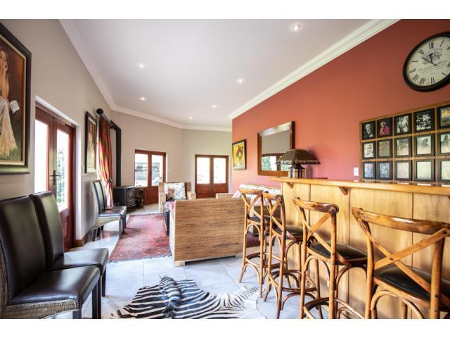 6 Bedroom House For Sale in Verresig Country Estate