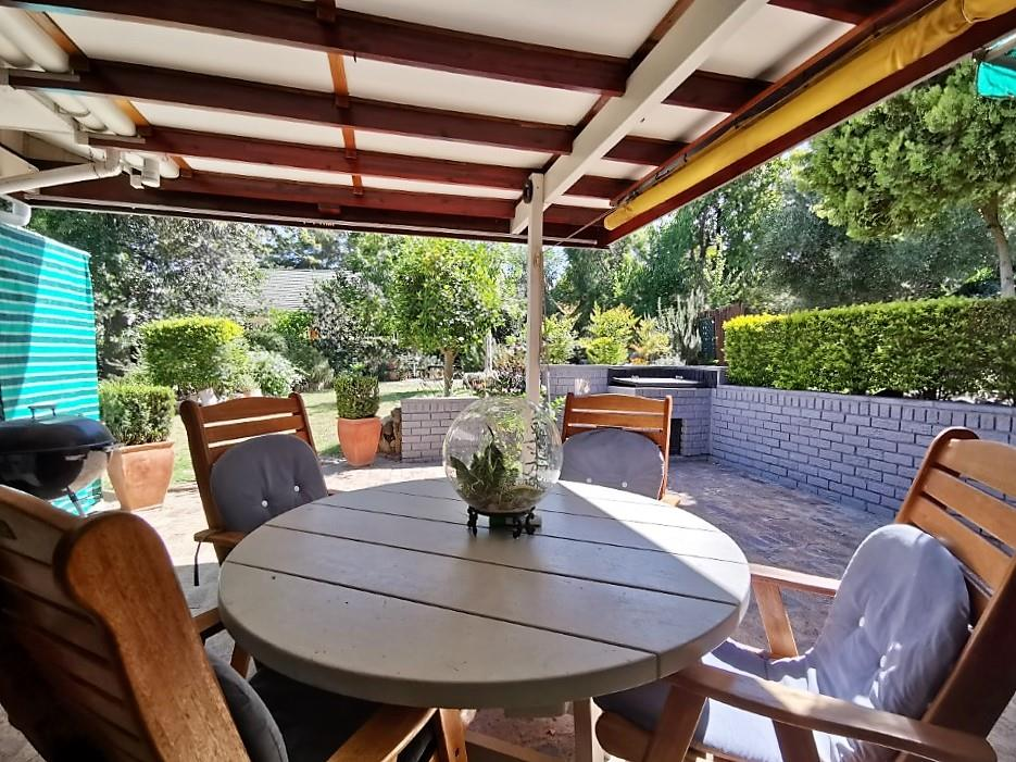 4 Bedroom House For Sale in Brandwacht