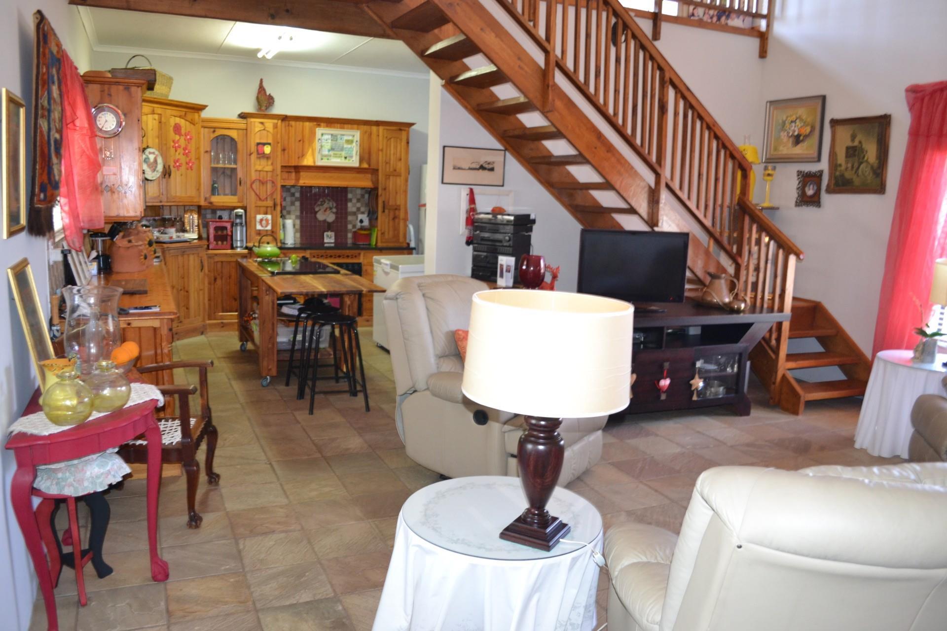 2 Bedroom House For Sale in Reebok