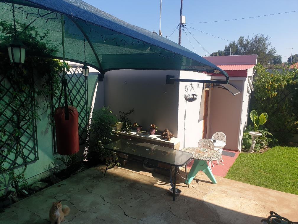 2 Bedroom House For Sale in Orange Grove