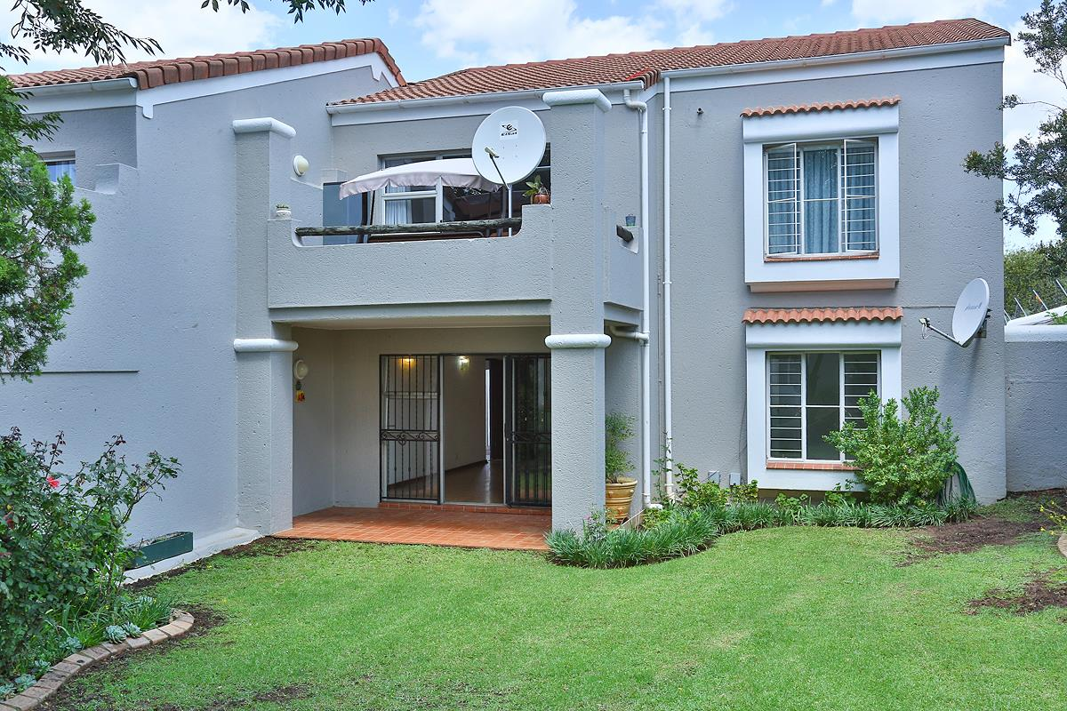 2 Bedroom Apartment / Flat For Sale in Fairland