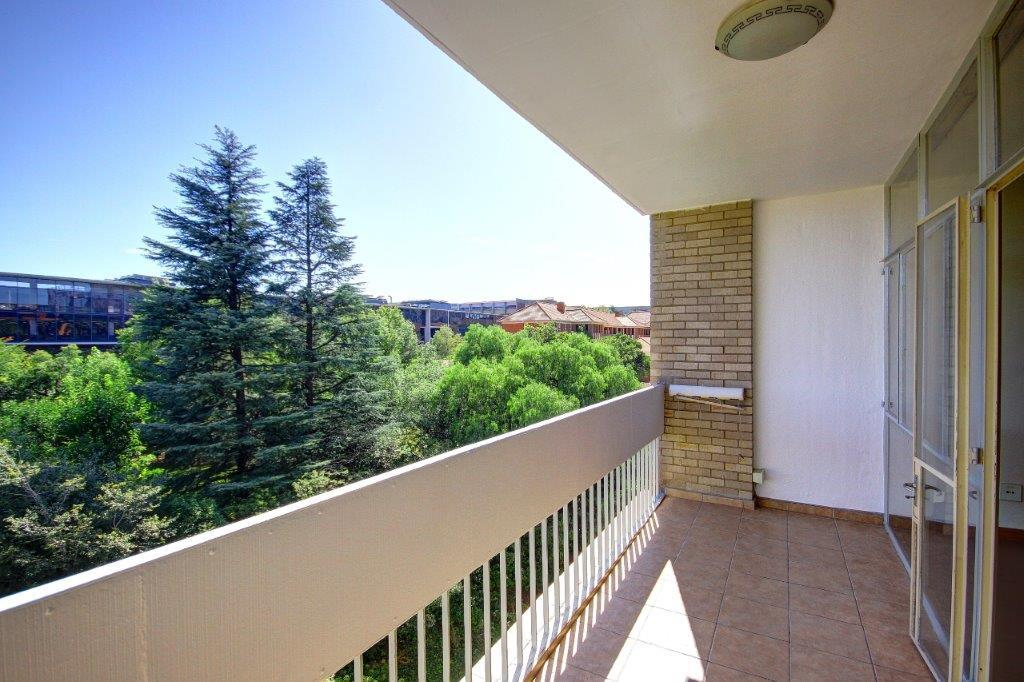 0.5 Bedroom Apartment / Flat For Sale in Parktown