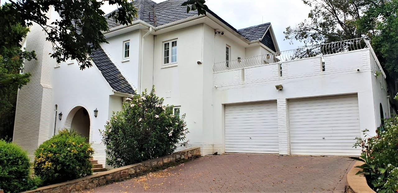 4 Bedroom House To Rent in Bryanston