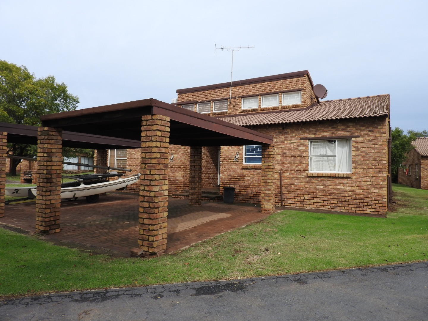 4.5 Bedroom Townhouse For Sale in Vaal Marina