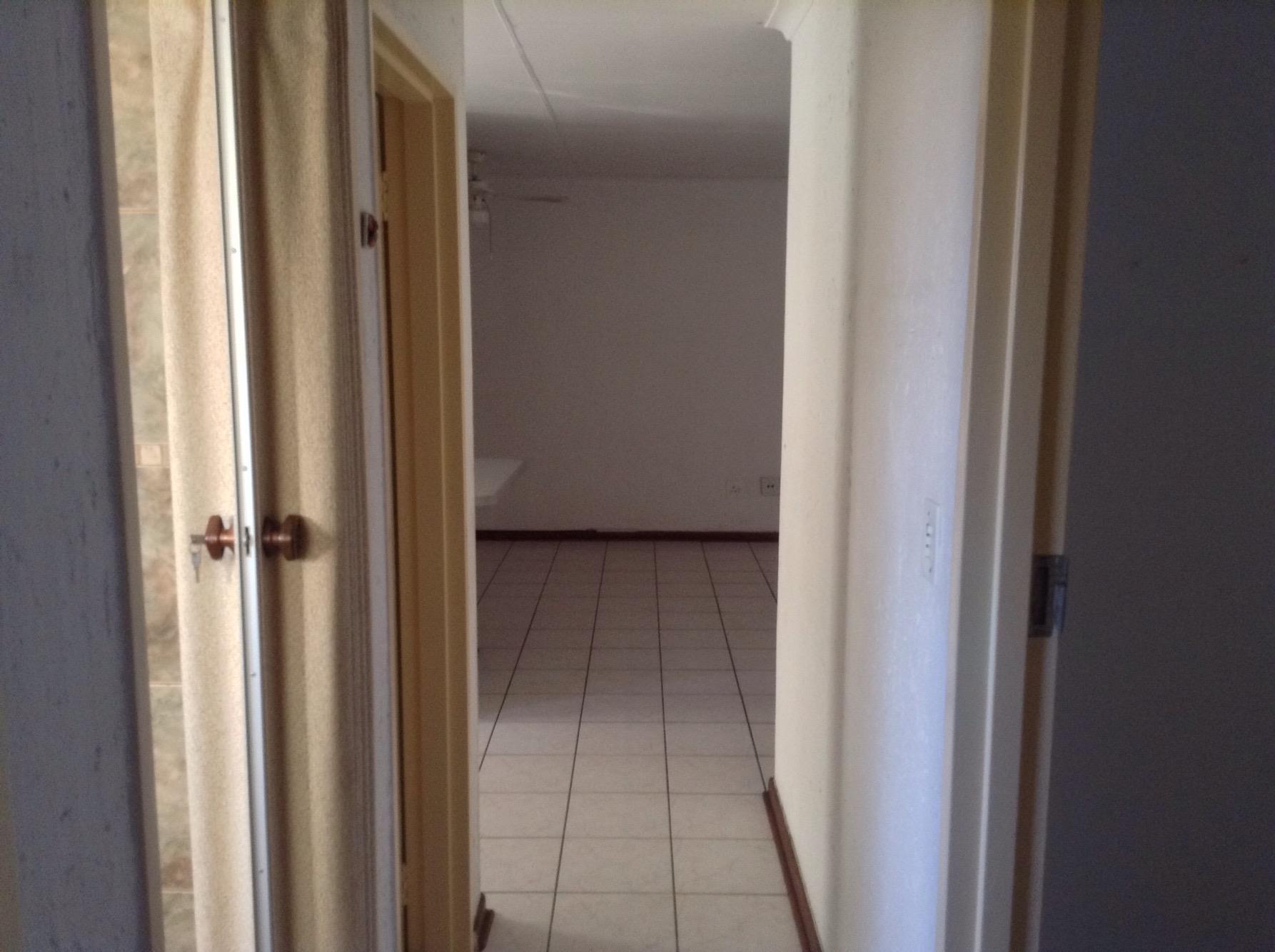 2 Bedroom Townhouse To Rent in Vanderbijlpark SE 3