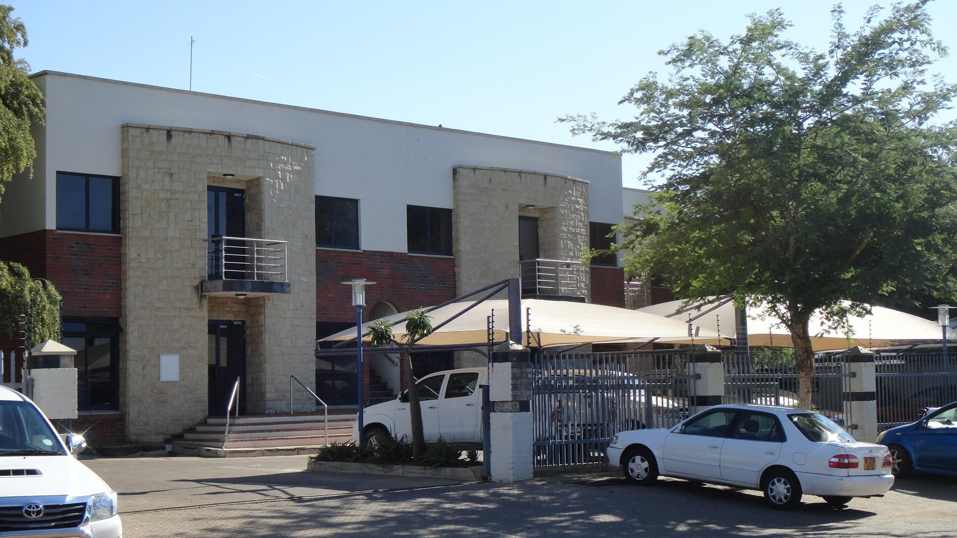 Commercial Property in Block 5 To Rent