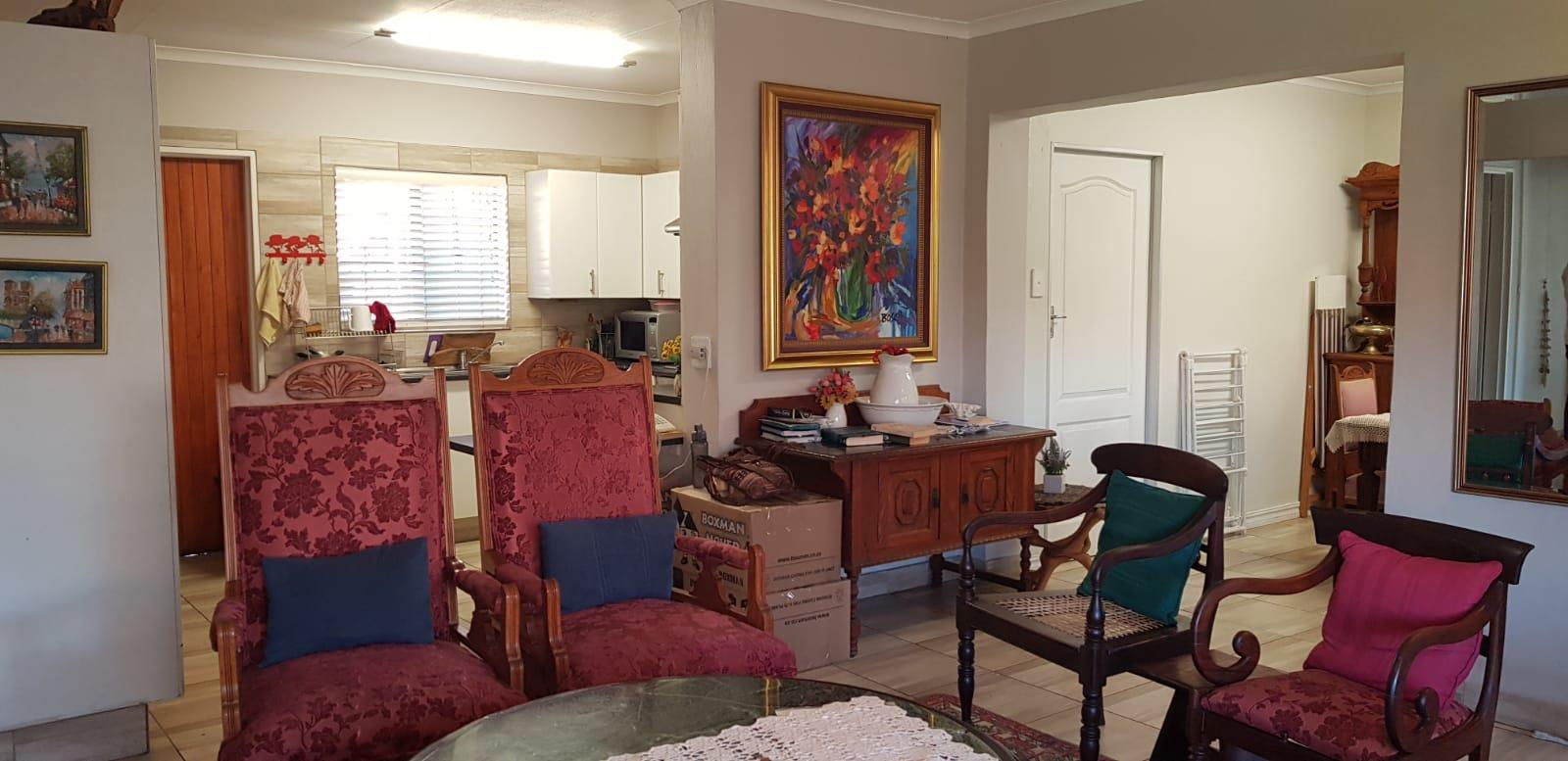 3 Bedroom Townhouse For Sale in Equestria