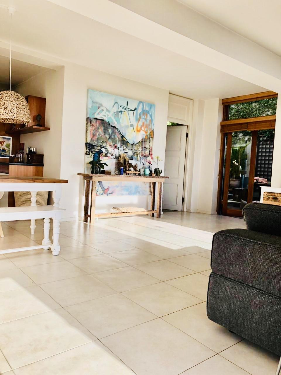 2 Bedroom Apartment / Flat To Rent in Higgovale