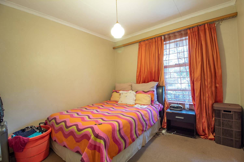 3 Bedroom Townhouse To Rent in Waterkloof Glen