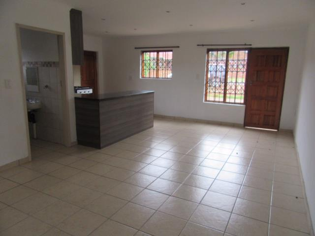 2 Bedroom House To Rent in Elarduspark
