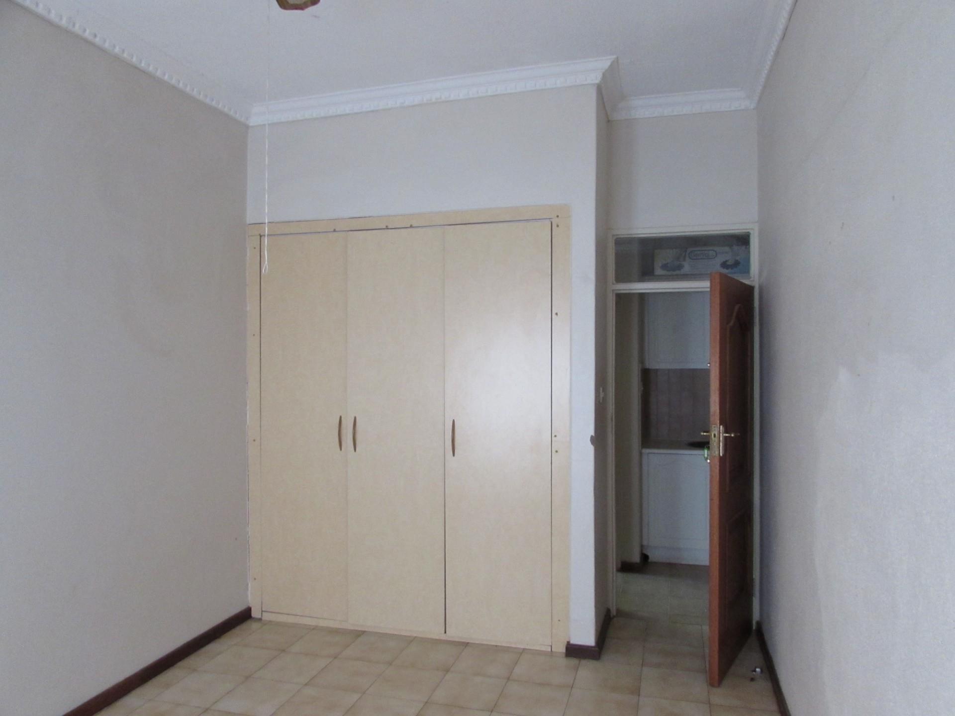 6 Bedroom House To Rent in Phakalane