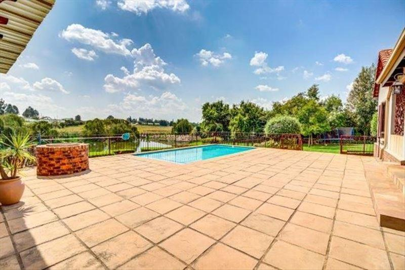 3 Bedroom House For Sale in Bredell