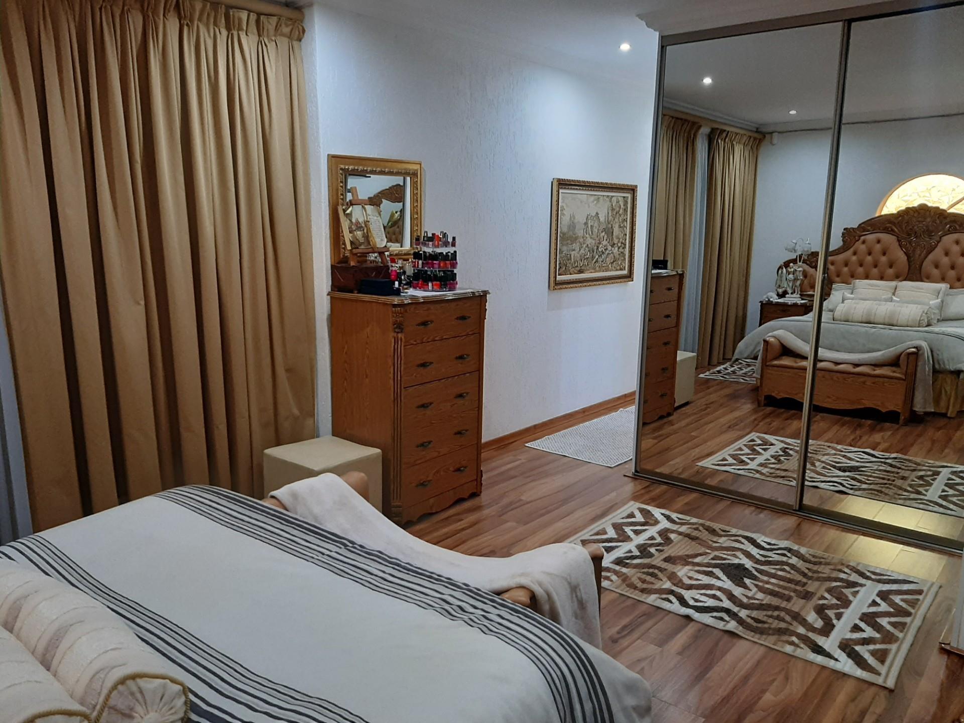3 Bedroom House For Sale in Brackendowns