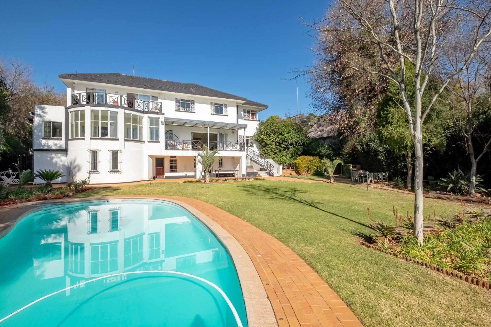 5 Bedroom House For Sale in Northcliff