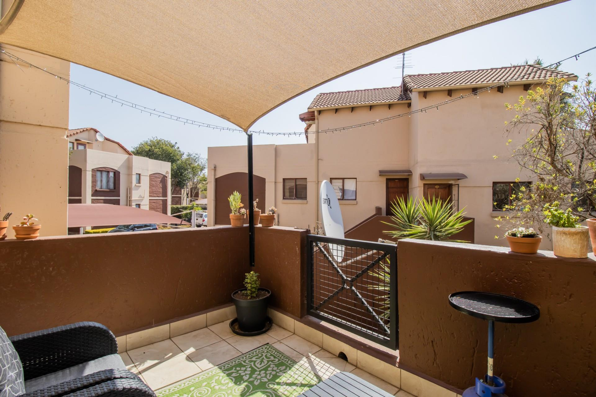 2 Bedroom Apartment / Flat For Sale in Bromhof