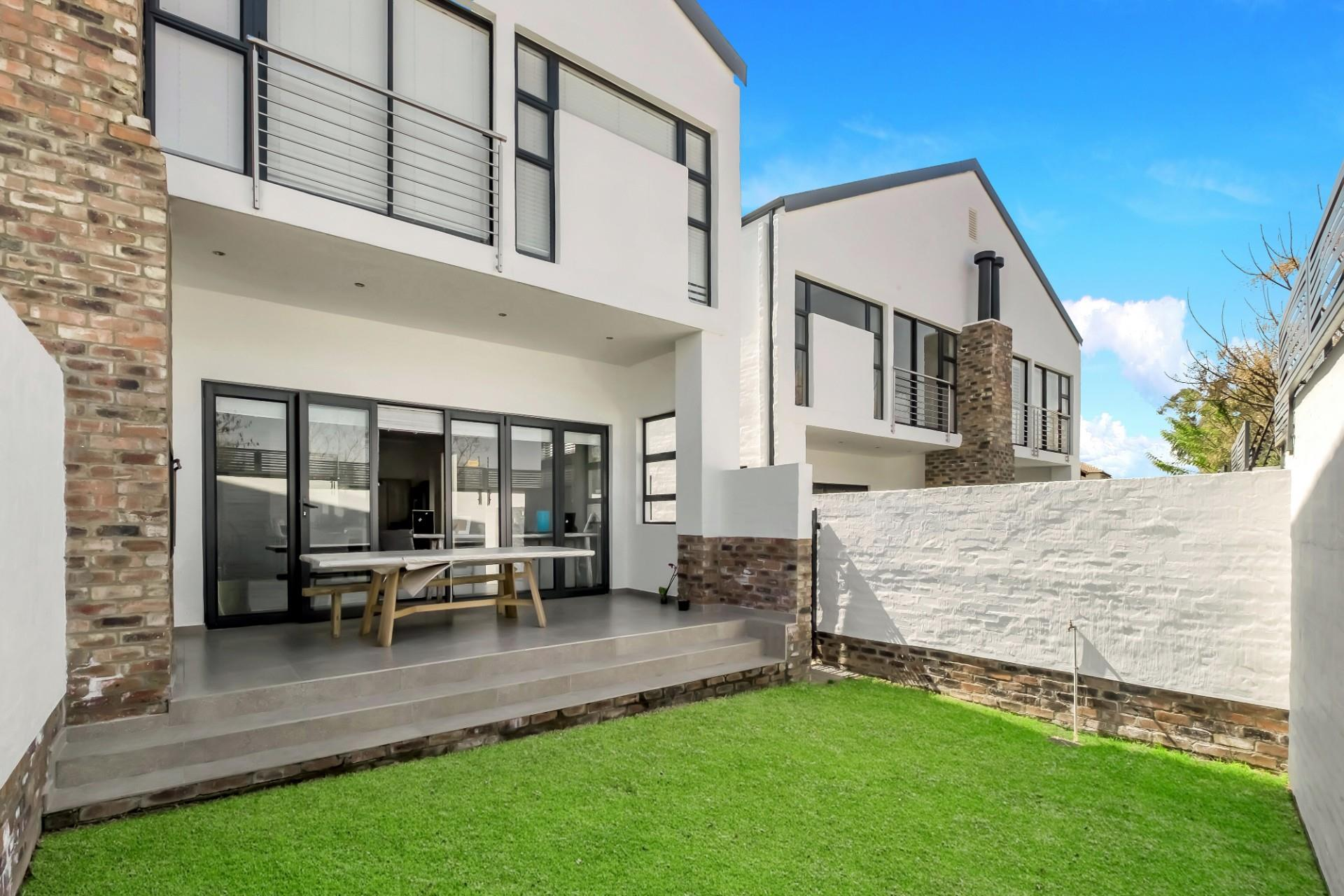 3 Bedroom Townhouse For Sale In Bryanston Re Max Of Southern Africa