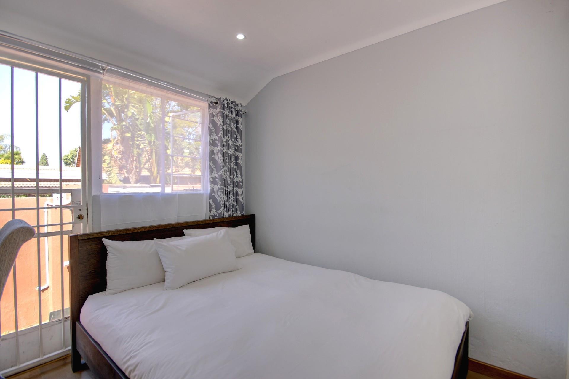 2 Bedroom Townhouse For Sale in Sundowner