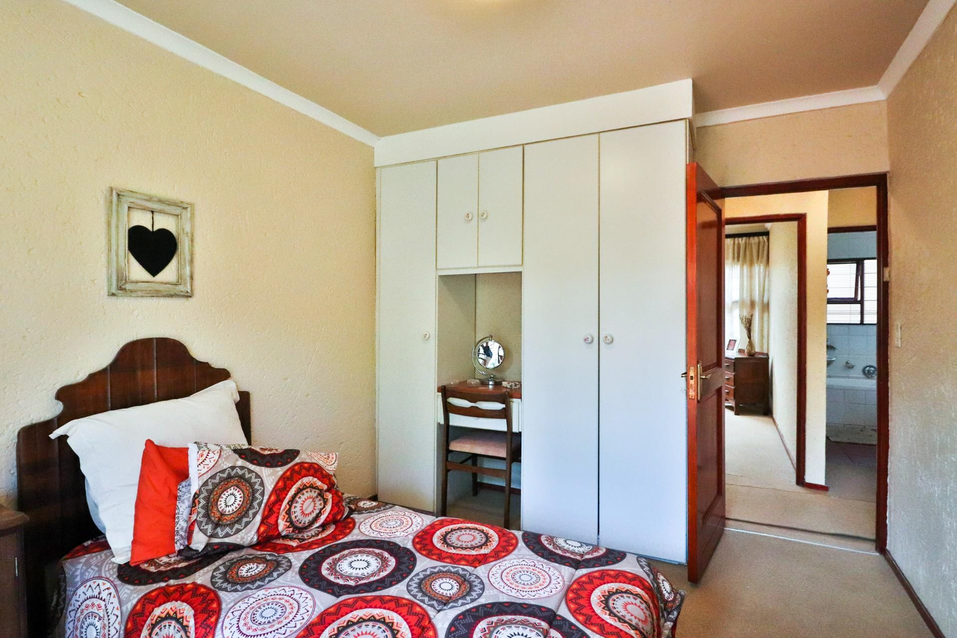 3 Bedroom Townhouse For Sale in Northcliff