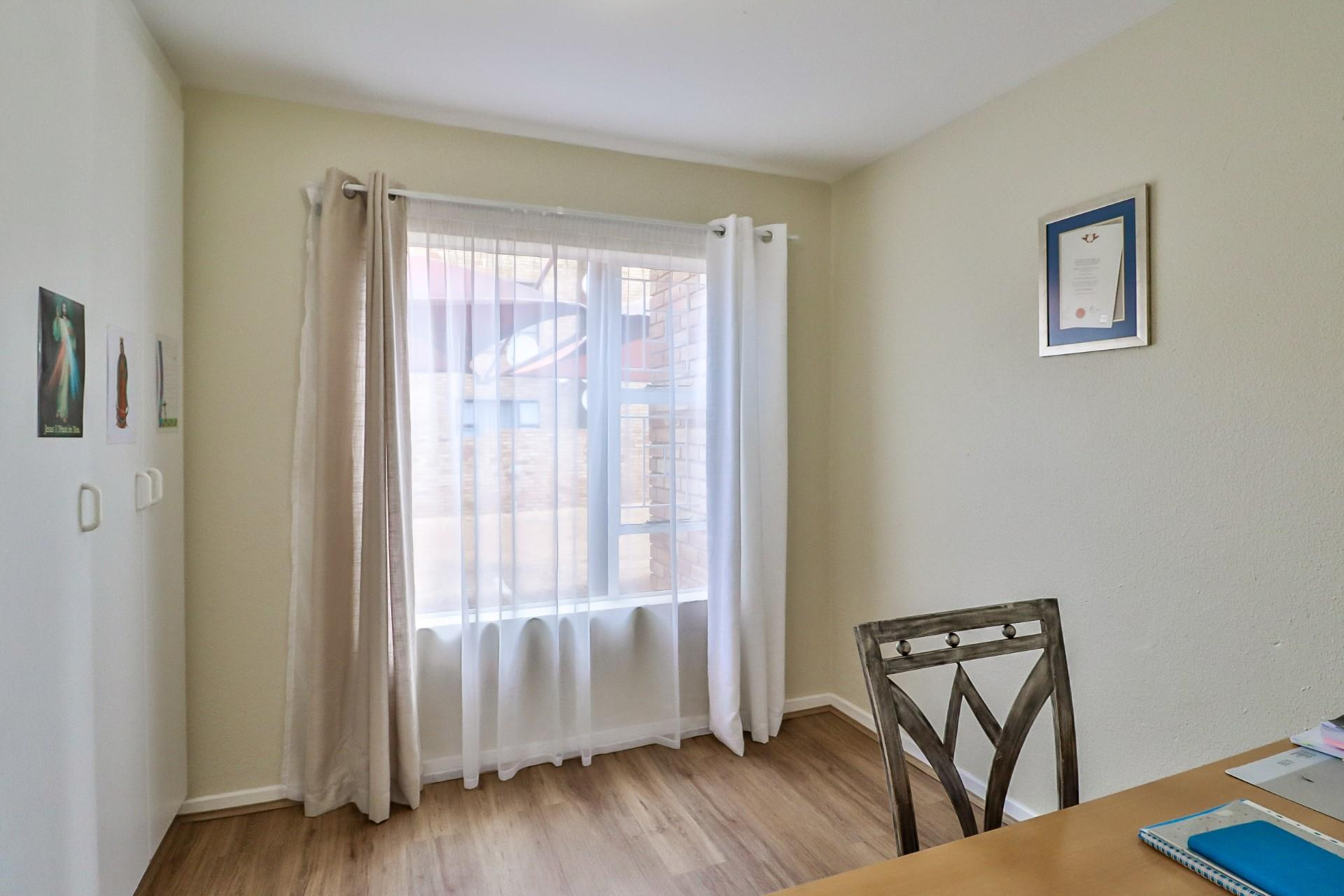 3 Bedroom Apartment / Flat For Sale in Fairland