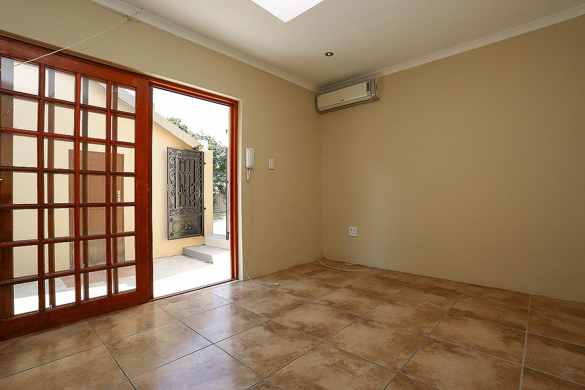 4 Bedroom House For Sale in Bromhof