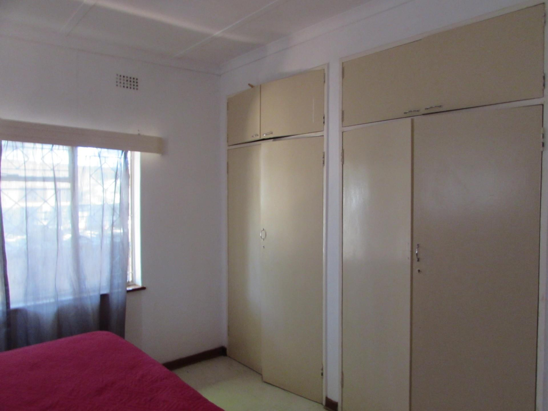 3 Bedroom House For Sale in Village