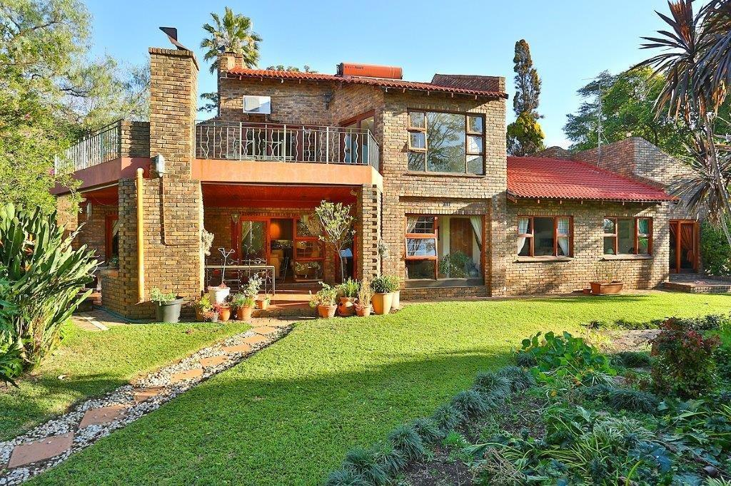 5 Bedroom House For Sale in Fourways