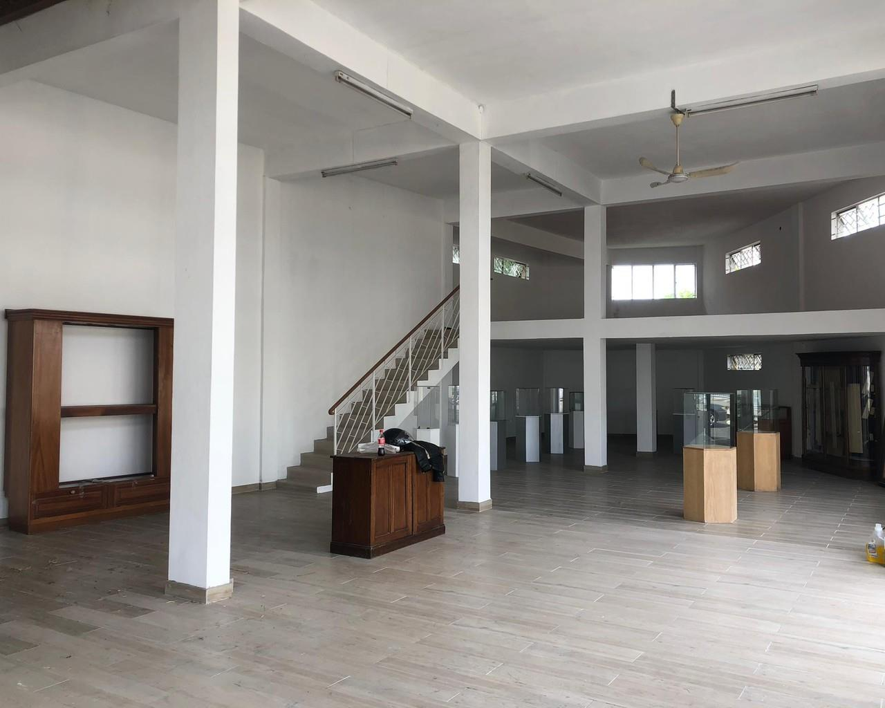 Commercial Property in Caundan For Sale