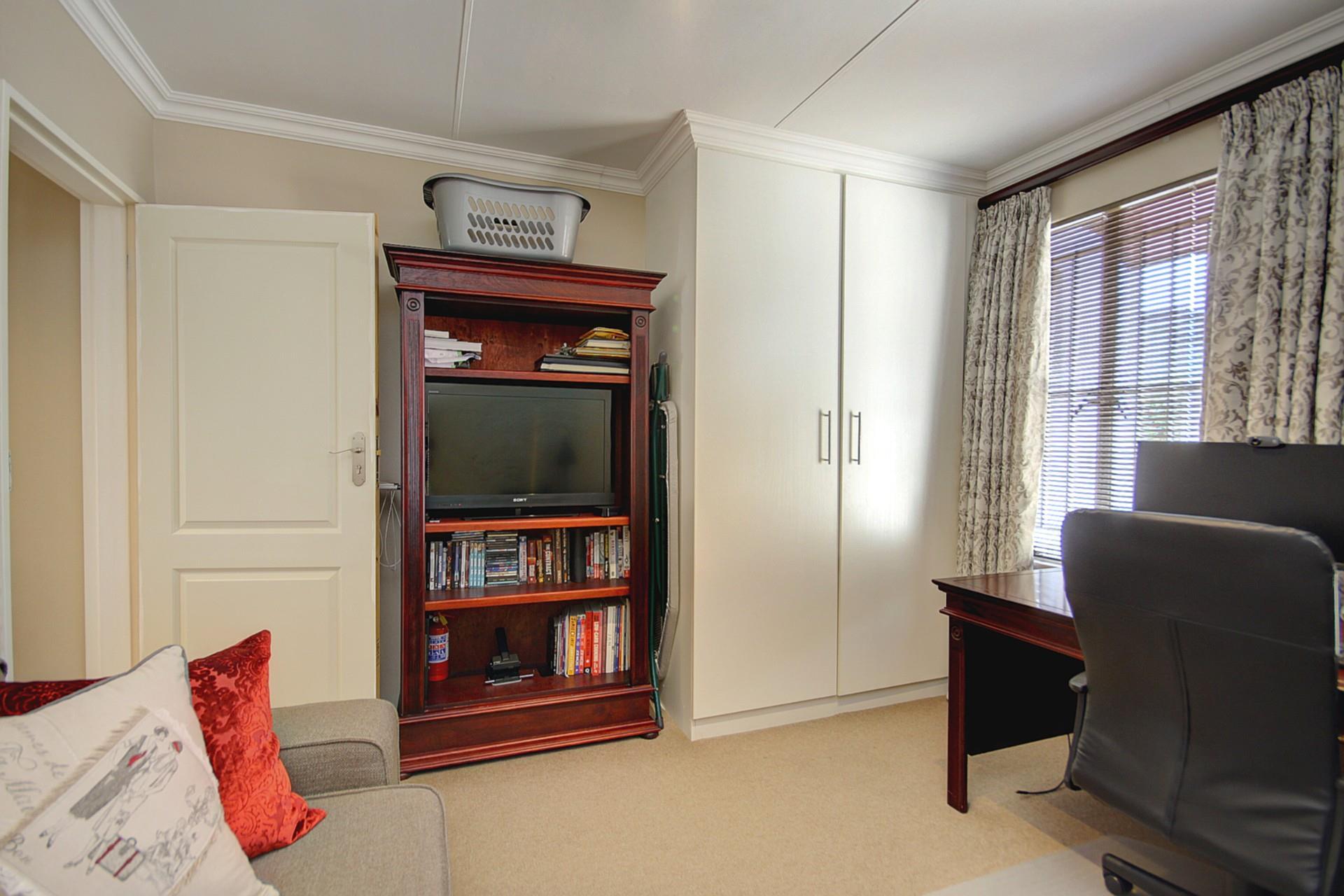 2 Bedroom Apartment / Flat For Sale in President Ridge