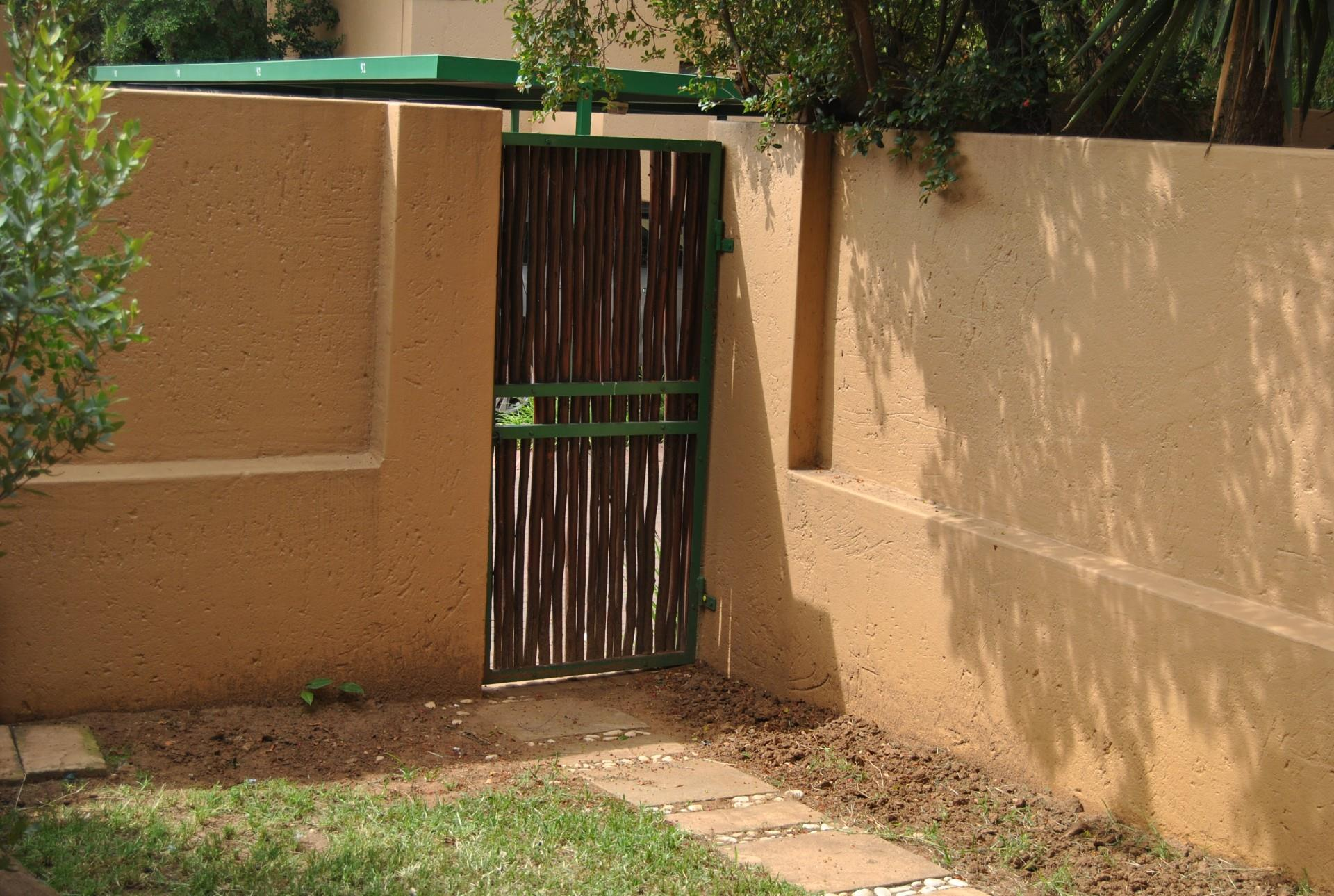 2 Bedroom Apartment / Flat To Rent in Douglasdale