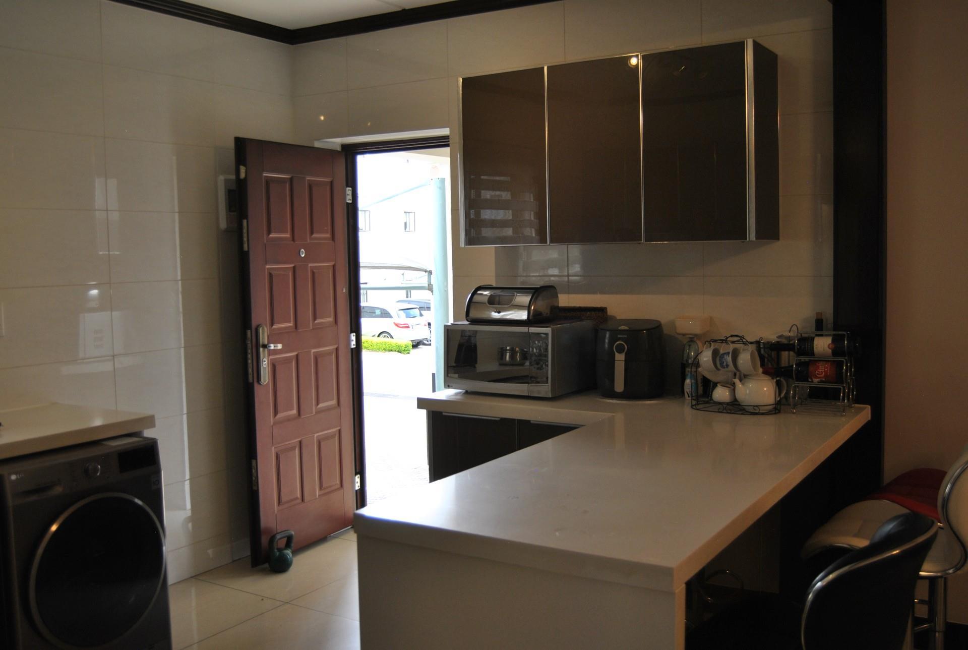 3 Bedroom House To Rent in Craigavon