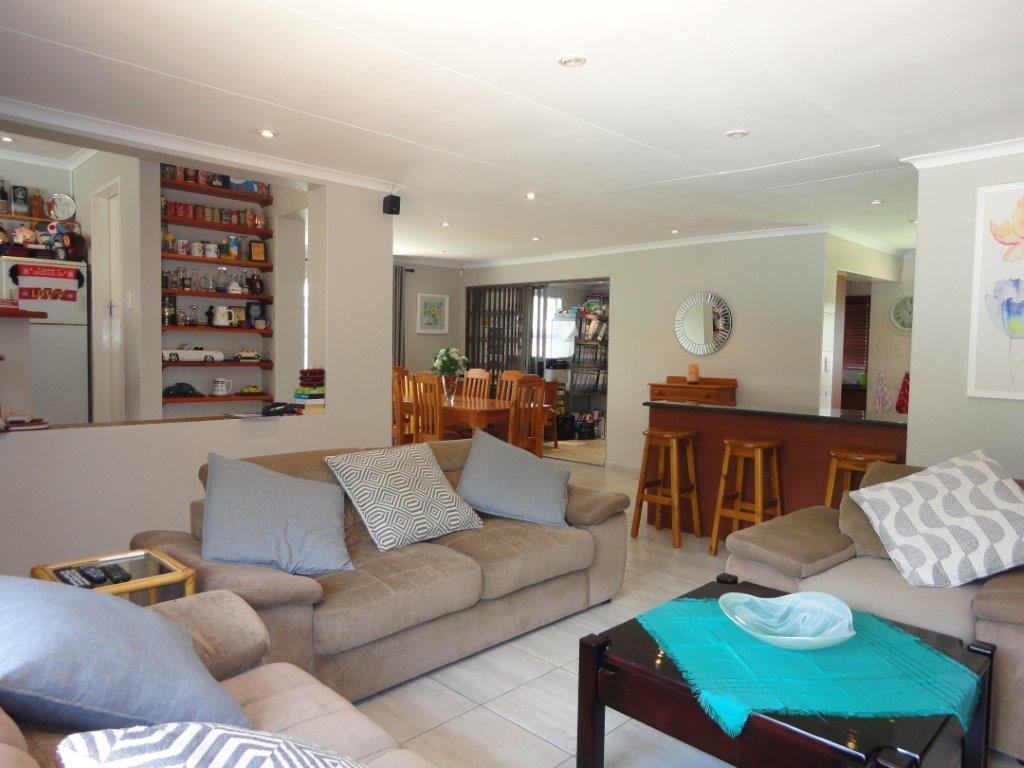 3 Bedroom House For Sale in Sharonlea