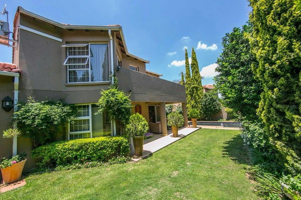 4 Bedroom House To Rent in Douglasdale