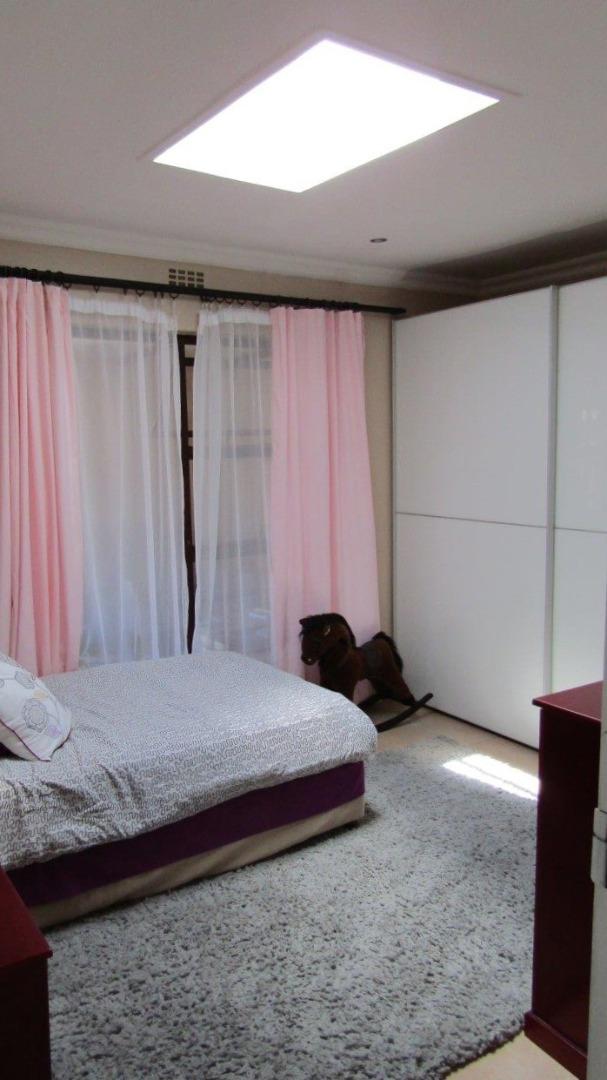 2 Bedroom House For Sale in Oakglen